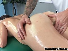 Holly Michaels gets fucked at massage